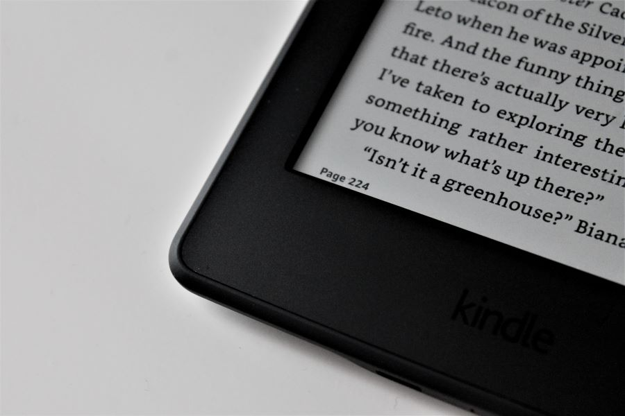 What file format does Kindle use